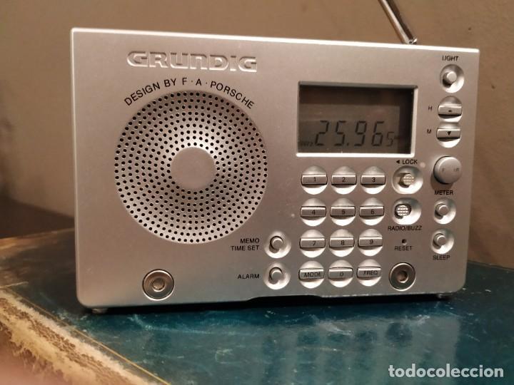 Radios antiguas: Grundig Yb-P 2000 diseño por F.A. Porsche Am/fm Despertador radio de onda corta - Foto 3 - 193636368