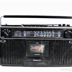 Radios antiguas: RADIO CASSETTE SANYO M9902K AÑOS 70. Lote 193885452