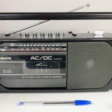 Radios antiguas: RADIO CASSETTE SANYO M1740F, FUNCIONA BIEN, VER VÍDEO.. Lote 194256306