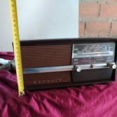 Radios antiguas: ANTIGUA RADIO TRANSSISTOR. Lote 194292033