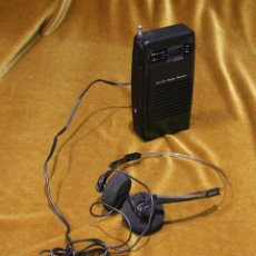 Radios antiguas: RADIO TRANSISTOR CON AURICULARES GRAN PRIX,MODELO A2090R,FILIPIINAS,FUNCIONA.. Lote 194326441