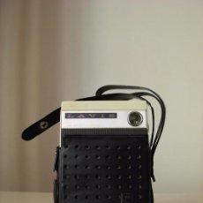 Radios antiguas: TRANSISTOR LAVIS 220 SOLID STATE RADIO. Lote 194328661