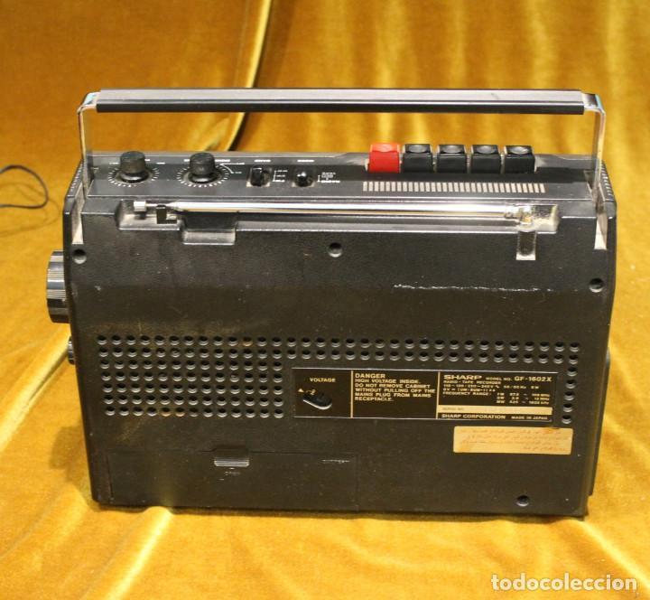 Radios antiguas: Radio Cassette Sharp,modelo GF-1602X,Made in Japan,Precisa de ajustes. - Foto 4 - 194331180