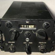 Radios antiguas: RADIO COLLINS 618F-1A PARA AVIÓN - TRANSMISOR - RECEPTOR DE VHF - AVIACIÓN MILITAR - USA. Lote 194602505