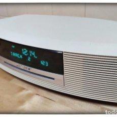 Radios antiguas: BOSE WAVE AWRCC8 RADIO CD BLANCO - FUNCIONANDO Y CON MANDO A DISTANCIA - AWRCC 8. Lote 194703101