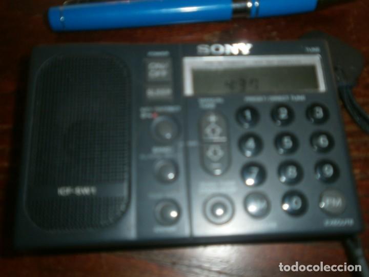 Radios antiguas: Radio transistor digital Sony ICF SW1 medida 11 X 7 cm. funcionando - Foto 2 - 194783101