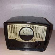 Radios antiguas: TRANSFORMADOR CLÁSICO, VOLTIMETRO. Lote 194975498
