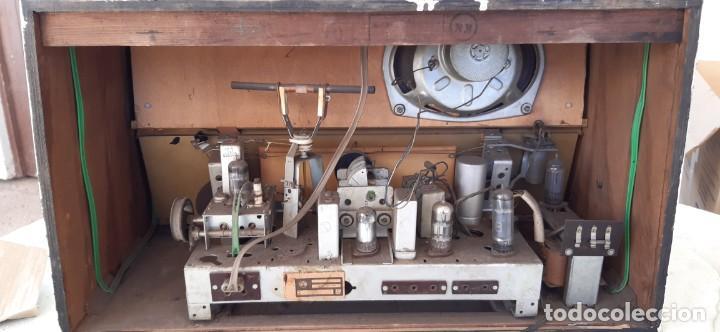 Radios antiguas: Radio grande ELPROM buen estado funcionando Años 60 - Foto 5 - 195053333