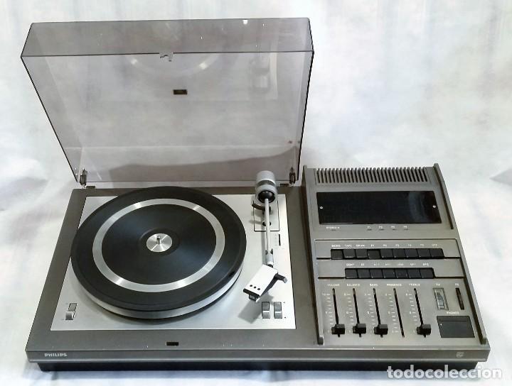 TOCADISCOS PHILIPS CON RADIO FM (Radios, Gramófonos, Grabadoras y Otros - Transistores, Pick-ups y Otros)