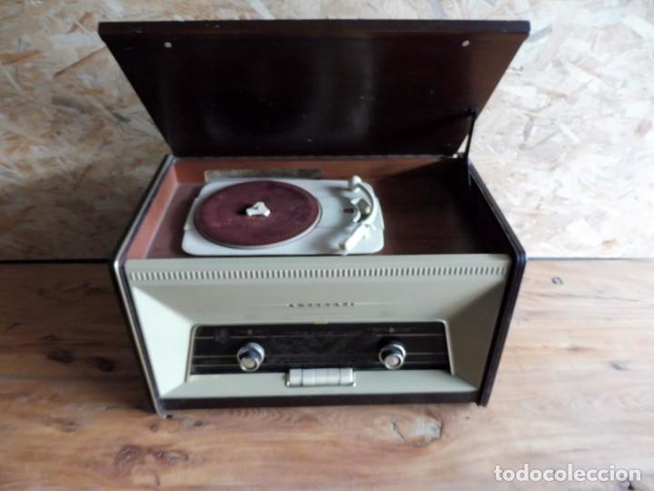 RADIO TOCADISCOS PHILIPS AÑOS 50 (Radios, Gramófonos, Grabadoras y Otros - Transistores, Pick-ups y Otros)