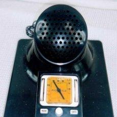 Radios antiguas: CURIOSA RADIO VINTAGE FUNCIONANDO MIRA LAS FOTOS. Lote 195240150
