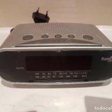 Radios antiguas: ANTIGUA RADIO DESPERTADOR DE SOBREMESA MARCA SAMI AUDIO FUNCIONANDO VER FOTOS. Lote 195317221