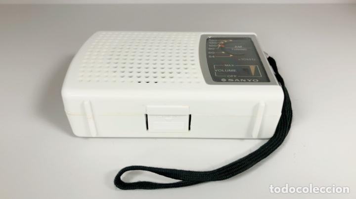 Radios antiguas: Radio Sanyo RP 1270, funciona, ver vídeo. - Foto 4 - 195323958