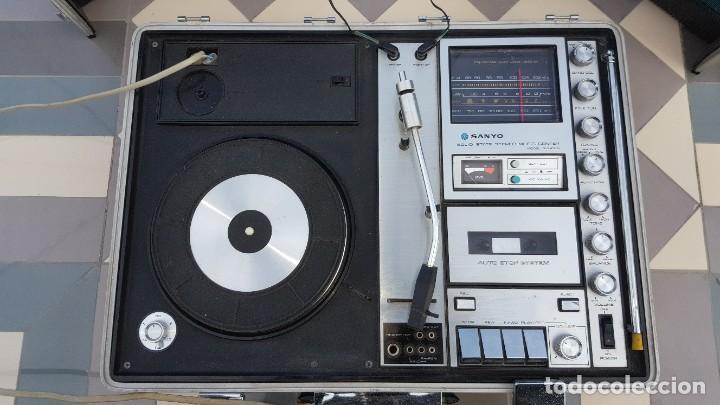 Radios antiguas: Sanyo Solid State Stereo Music Centre Model G-2615N Equipo Portátil Tocadiscos, Cassette, Radio FM - Foto 2 - 195339457