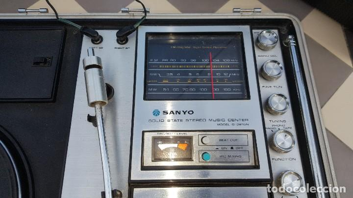 Radios antiguas: Sanyo Solid State Stereo Music Centre Model G-2615N Equipo Portátil Tocadiscos, Cassette, Radio FM - Foto 3 - 195339457