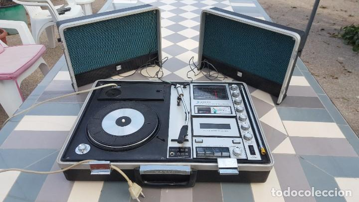 Radios antiguas: Sanyo Solid State Stereo Music Centre Model G-2615N Equipo Portátil Tocadiscos, Cassette, Radio FM - Foto 4 - 195339457
