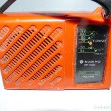 Radios antiguas: RADIO TRANSISTOR SANYO RP- 1280 - AÑOS 70 FUNCIONA. Lote 195415536