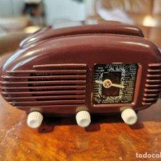 Radios antiguas: RADIO TRANSISTOR MINIATURA TESLA TALISMAN U308 - CZECHOSLOVAKIA 1940 - FUNCIONANDO. Lote 195417091