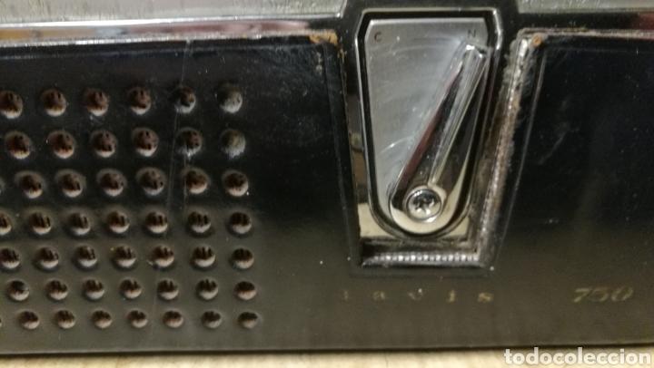 Radios antiguas: ANTIGUA RADIO TRANSITOR MARCA LAVIS - Foto 3 - 196377692