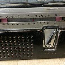 Radios antiguas: ANTIGUA RADIO TRANSITOR MARCA LAVIS. Lote 196377692