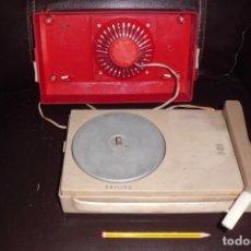 Radios antiguas: TOCADISCOS PHILIPS MINIATURA, AÑOS 50. Lote 197191951
