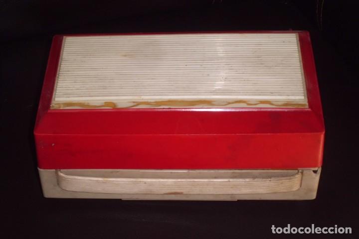 Radios antiguas: TOCADISCOS PHILIPS MINIATURA, AÑOS 50 - Foto 2 - 197191951