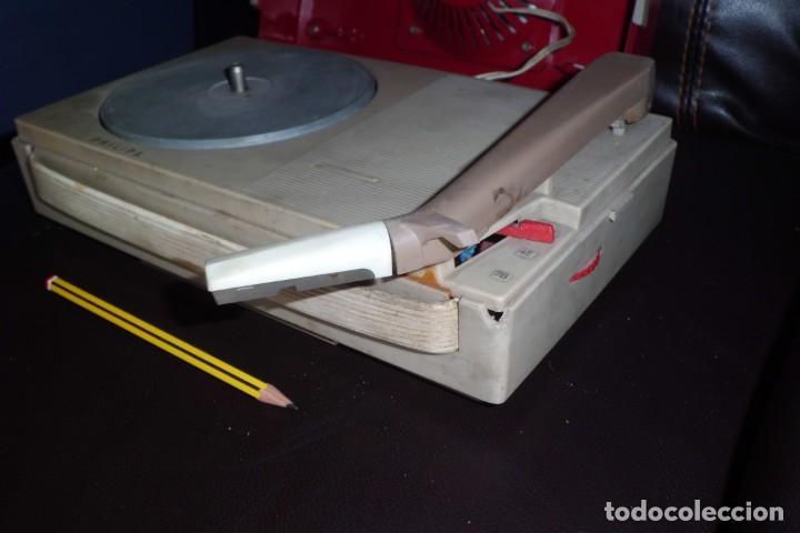 Radios antiguas: TOCADISCOS PHILIPS MINIATURA, AÑOS 50 - Foto 4 - 197191951
