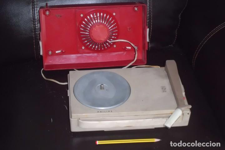 Radios antiguas: TOCADISCOS PHILIPS MINIATURA, AÑOS 50 - Foto 8 - 197191951