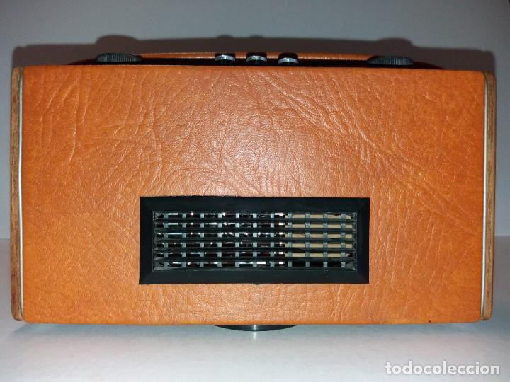 Radios antiguas: PRECIOSO RADIO TRANSISTOR RAMBLER VINTAGE AÑOS 60s - Foto 7 - 197712640