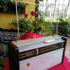 Radios antiguas: RADIO ANTIGUA VINTAGE AÑOS 70 PHILIPS ALL TRANSISTOR. Lote 197952037