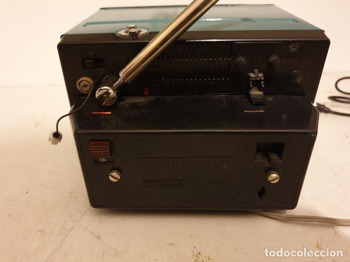 Radios antiguas: PEQUEÑO TELEVISOR PORTATIL BLANCO Y NEGRO - Foto 4 - 198582070