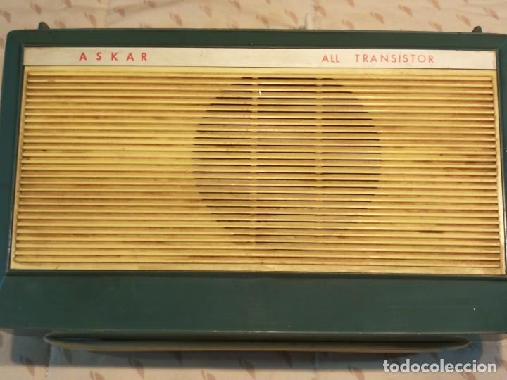 TOCADISCO EN MALETA PHILLIPS ALL TRANSITOR (Radios, Gramófonos, Grabadoras y Otros - Transistores, Pick-ups y Otros)