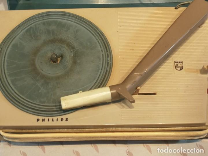 Radios antiguas: TOCADISCO EN MALETA PHILLIPS ALL TRANSITOR - Foto 4 - 199229805