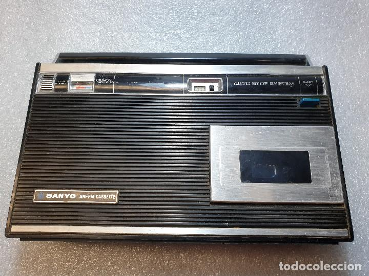 RADIO CASSETTE SANYO MODELO MR-4112F (Radios, Gramófonos, Grabadoras y Otros - Transistores, Pick-ups y Otros)