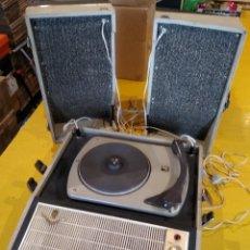 Radios antiguas: MALETÍN TOCADISCOS IBERIA - STEREO - VINTAGE AÑOS 50 / 60. Lote 200053248