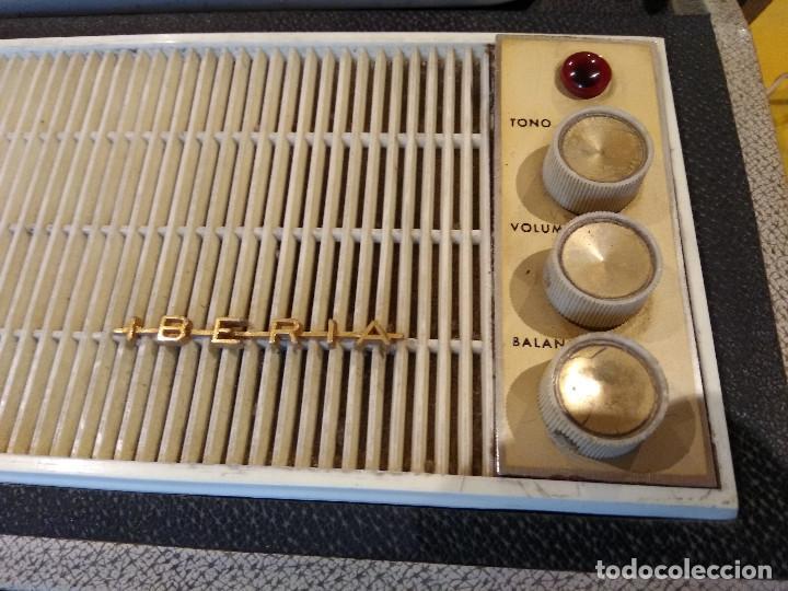 Radios antiguas: MALETÍN TOCADISCOS IBERIA - Stereo - Vintage años 50 / 60 - Foto 4 - 200053248