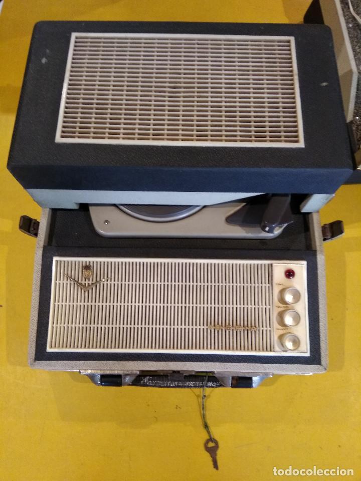Radios antiguas: MALETÍN TOCADISCOS IBERIA - Stereo - Vintage años 50 / 60 - Foto 7 - 200053248