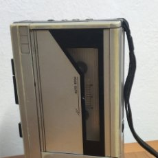 Radios antiguas: VINTAGE SANYO GRABADORA WALKMAN MODELO M1011. Lote 200242358