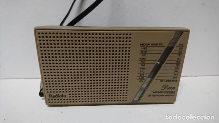 RADIO TRANSISTOR RADIOLA D1016 (Radios, Gramófonos, Grabadoras y Otros - Transistores, Pick-ups y Otros)