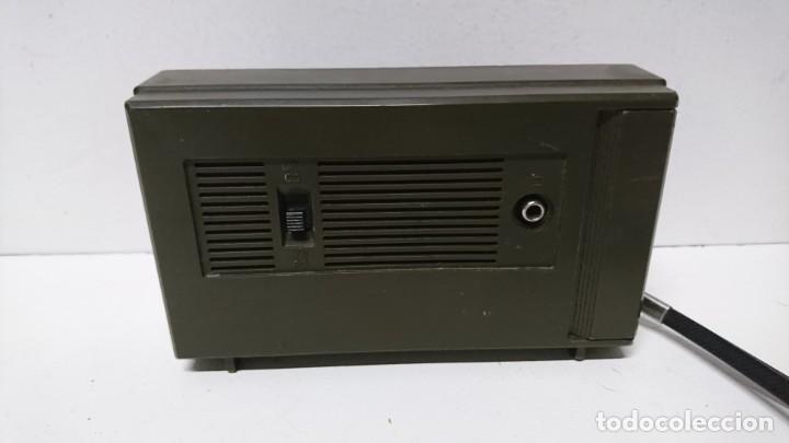 Radios antiguas: Radio transistor Radiola D1016 - Foto 2 - 200342172