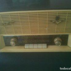Radios antiguas: RADIO DE VÁLVULAS IBERIA BF-162. Lote 201310933