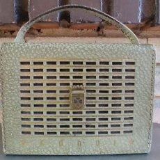 Radios antiguas: RADIO TRANSISTOR GRUNDIG MODELO BOX,FUNCIONA. Lote 201792293