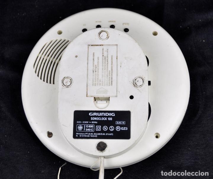 Radios antiguas: Radio despertado Grundig Sonoclock 100 - Foto 7 - 55058836