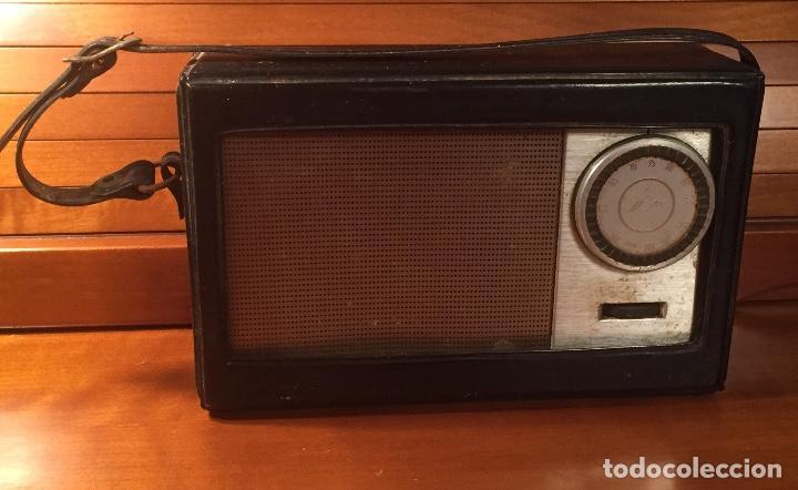 Radios antiguas: Antiguo transistor Inter conserva funda - Foto 5 - 202777491