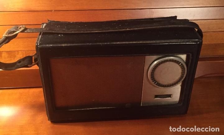 Radios antiguas: Antiguo transistor Inter conserva funda - Foto 6 - 202777491
