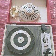 Radios antiguas: ANTIGUO TOCADISCOS PICK UP CON ALTAVOZ INTEGRADO - FARO 331 DELUXE. Lote 203888627