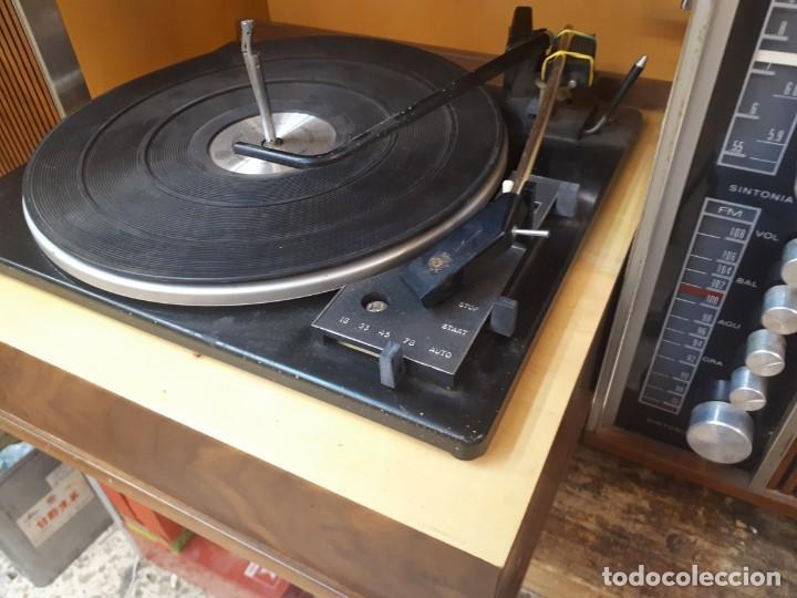 Radios antiguas: General Eléctrica Española, mueble radio y tocadiscos. - Foto 2 - 204661712
