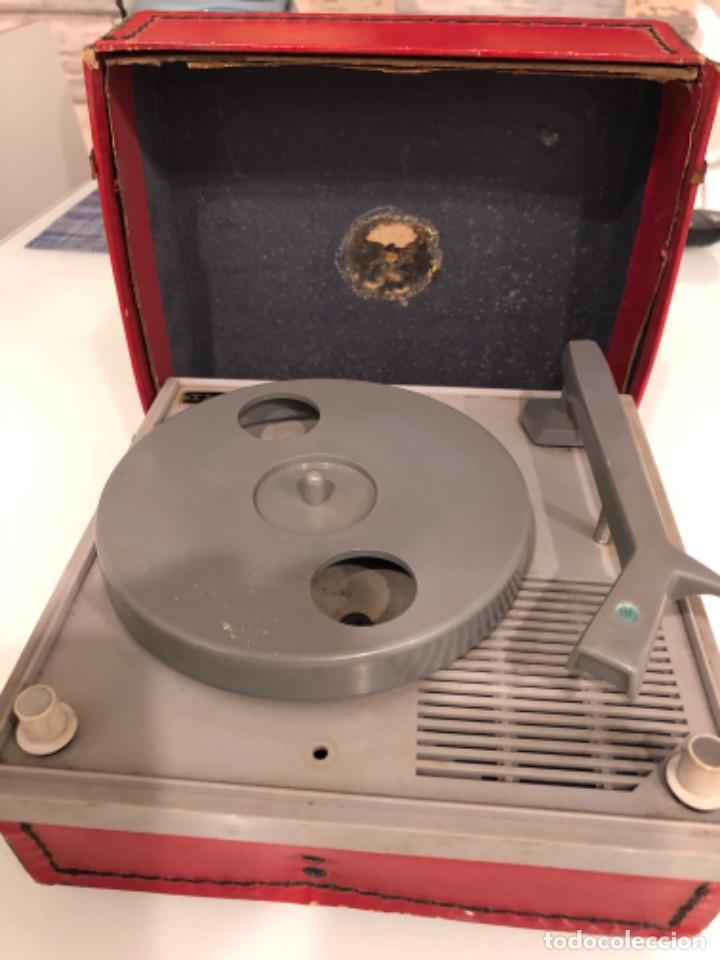 TOCADISCOS INVICTA MINOR T (Radios, Gramófonos, Grabadoras y Otros - Transistores, Pick-ups y Otros)