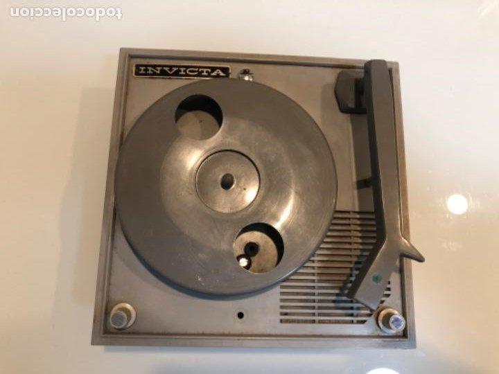 Radios antiguas: TOCADISCOS INVICTA MINOR T - Foto 2 - 204839008