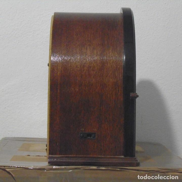 Radios antiguas: Radio capilla tipo antigua. Muy decorativa. Sin uso. - Foto 4 - 205013022